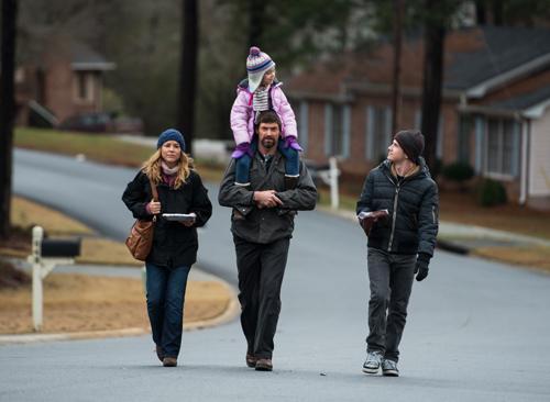 Noch ahnt Familie Dover nichts von den schweren Stunden, die ihr bevorstehen. Von links: Maria Bello, Hugh Jackman mit Erin Gerasimovich, Dylan Minnette.