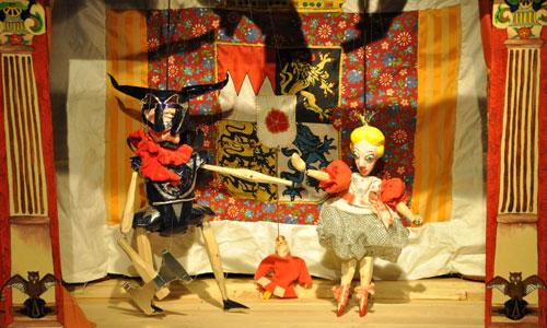 Neben Puppentheater gibt es Lesungen, Kunst, Poetry und vieles mehr. Foto: Tschechische Kulturtage