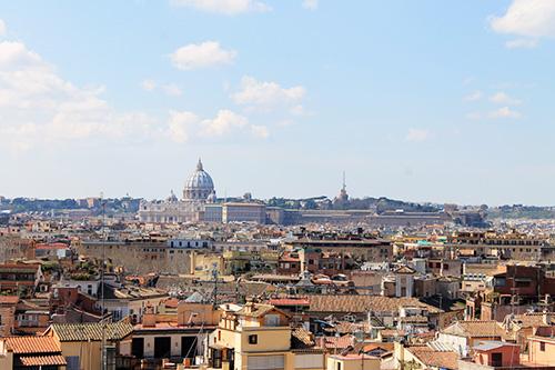 Der Blick über die Dächer Roms