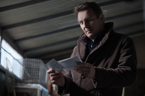 Bei seinen Recherchen findet Scudder (Liam Neeson) immer weitere Hinweise auf sadistische Serientäter.
