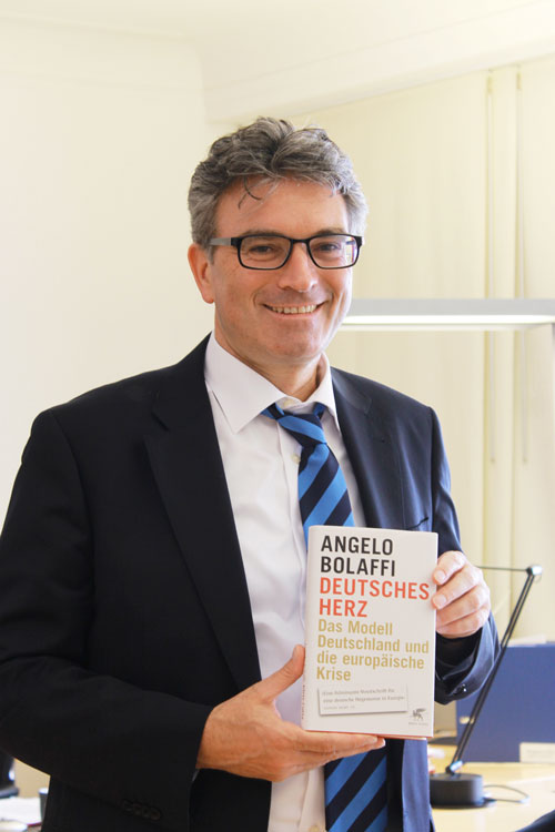 """Von Dieter Salomon bereits gelesen: """"Deutsches Herz"""" von Angelo Bulaffi."""