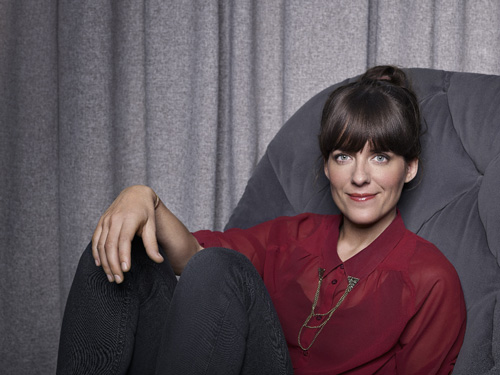 """Zurück zum Artikel """"Ich bin Fernsehmoderatorin!"""" - Sarah Kuttner denkt gar nicht daran, mit einer ihrer Sendungen ins Internet zu wechseln."""