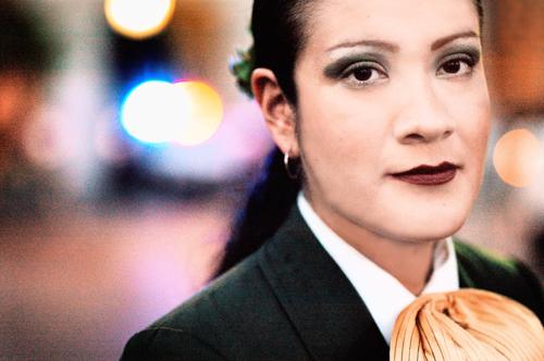 Die Mariachi-Sängerin María del Carmen weiß sich zu behaupten.