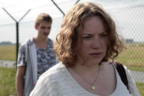 Danny (Daniel Sträßer) ist Cindys (Julia Jendroßek) einziger Freund. Manchmal ist sie nicht sicher, ob er es gut mit ihr meint. Andererseits: Danny ist eben ein Spinner.