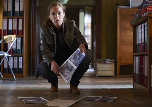 Selbst im malerischen Bozen schläft das Verbrechen nicht, wie Sonja Schwarz (Chiara Schoras) kurz nach ihrer Ankunft in Südtirol feststellen muss.