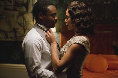 Martin Luther King (David Oyelowo) kann seiner Ehefrau Coretta Scott King (Carmen Ejogo) nicht versprechen, dass er lebend nach Hause kommt.