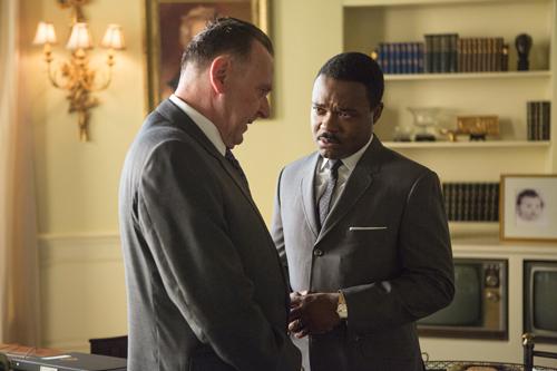 Mit Präsident Lyndon B. Johnson (Tom Wilkinson, rechts) bespricht Martin Luther King (David Oyelowo) immer wieder die andauernden Bürgerrechtsverletzungen.
