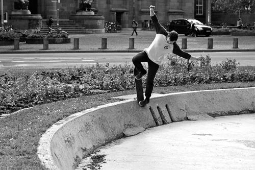 Street-Trick am Brunnenrand: Der neue Skatepark soll richtige Straßenelemente enthalten – wenn er denn gebaut wird.