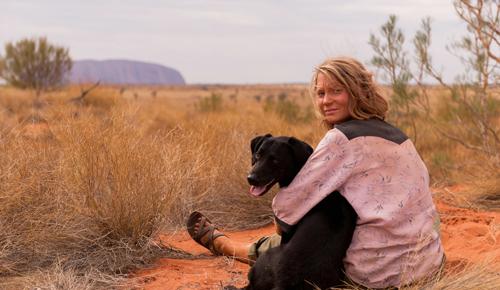 Ihren Hund liebt Robyn (Mia Wasikowska) über alles.