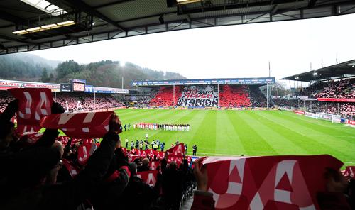 Klare Ansage: Vor dem wichtigen 4:1 Sieg über Frankfurt war die Botschaft an die SC-Fans schon klar.