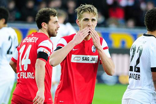 Matchwinner: Nils Petersen mit Hattrick.