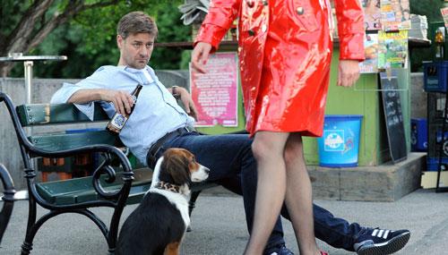 """Marcus Mittermeier spielt in """"Hochzeitskönig"""" einen harmoniebedürftigen Polizisten, der vor lauter Beziehungsfrust bei einer Prostituierten landet."""