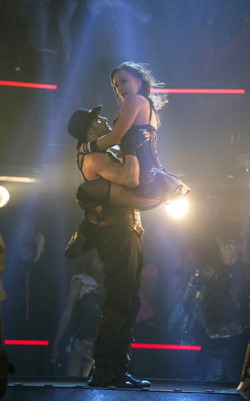 """Können sich am Ende endlich vertrauen: Andie (Briana Evigan) und Sean (Ryan Guzman) verlieben sich in Las Vegas ineinander und tanzen im furiosen Finale von """"The Vortex"""" sehr körperbetont miteinander."""