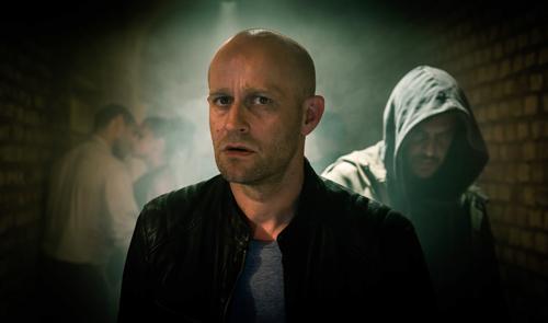 Erik (Jürgen Vogel) stellt bald schon fest: Sein neuer Begleiter ist für alle anderen unsichtbar.