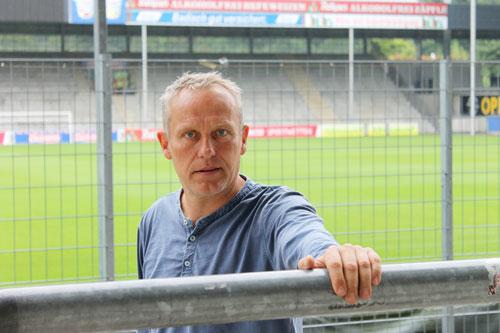 Christian Streich ist vor seiner vierten Saison als Cheftrainer nicht wesentlich entspannter.