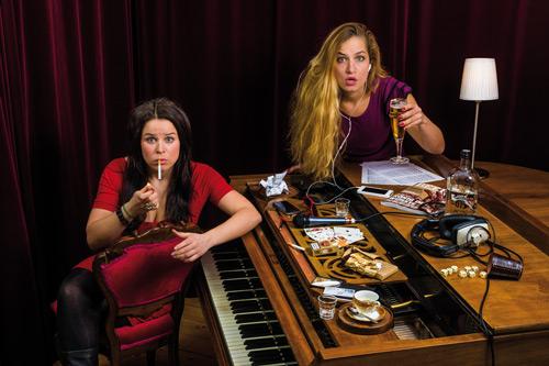 Zwei Frauen, viele Süchte. Bild: Torsten Goltz