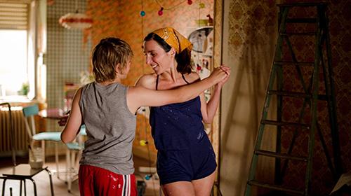 Szene mit Anne Paulicevich und Zacharie Chasseriaud.