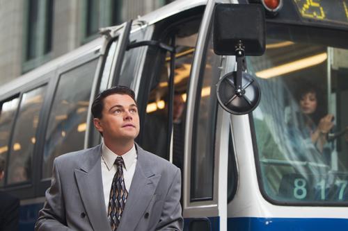 """Der von Leonardo DiCaprio verkörperte, vor Geld stinkende Antiheld Jordan Belfort wurde in den 90-ern als """"The Wolf Of Wall Street"""" bekannt."""