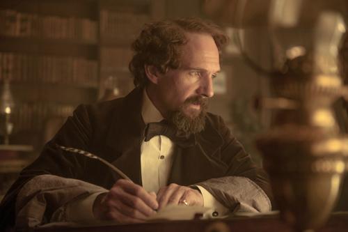 In seinen Werken war Charles Dickens (Ralph Fiennes) moralischer als in seinem Privatleben.