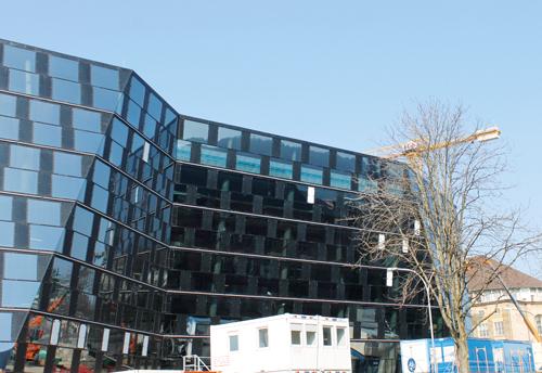 Das Design der neuen Universitätsbibliothek (UB) hat schon für so manche Diskussion unter Studierenden, Anwohnern und Passanten gesorgt.
