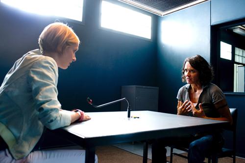 """Zwei Lebensmodelle prallen in der """"Tatort""""-Folge """"Blackout"""" aufeinander: Lena Odenthal (Ulrike Folkerts, rechts) streitet sich mit ihrer neuen Kollegin Johanna Stern (Lisa Bitter)."""
