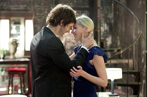 Szene mit Jim Sturgess & Kirsten Dunst.
