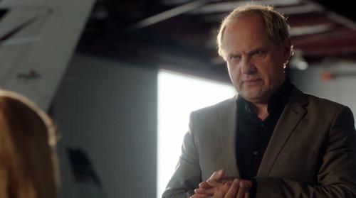 """Ein Deutscher in Hollywood: In der US-Serie """"Transporter"""" (auf DVD und BD erhältlich) spielt Uwe Ochsenknecht einen knallharten Killer."""
