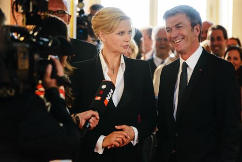 Liebe unter Aufsicht der Öffentlichkeit: Auch Veronica Ferres kennt dieses Problem (Szene mit Filmpartner Philippe Caroit).