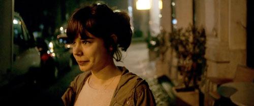 In Victorias (Laia Costa) Gesicht spiegelt sich stets der ganze Schmerz, die bedingungslose Solidarität und Süße der Jugend.