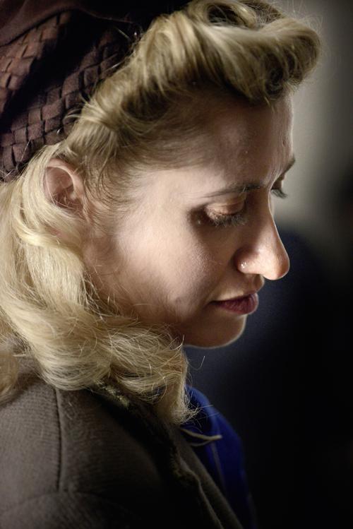 Violette Leduc (Emmanuelle Devos) leidet darunter, ungeliebt und hässlich zu sein.