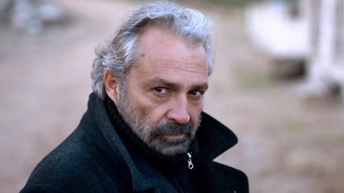 Aydin (Haluk Bilginer) interessiert sich mehr für intellektuelle Fragen als die Menschen.