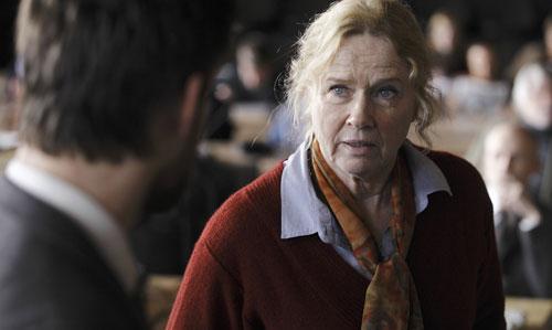 """Der ehemalige Bergmann-Star Liv Ullmann ist in """"Zwei Leben"""" eine Mutter, die zweifach um ihr Kind betrogen wird, aber am Ende verzeiht."""