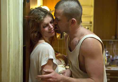 Topmodel May Andersen spielt in ihrer ersten Kinorolle eine Junkie-Braut, die sich von ihrem Boyfriend (Nikolaj Lie Kaas) drangsalieren lässt.