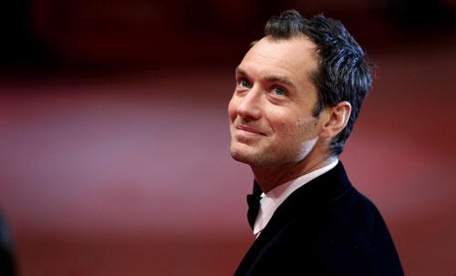 Einer der großen Stars auf der Berlinale: Jude Law. Foto: dapd/Ronny Hartmann