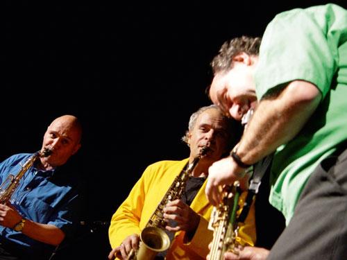 Das Jazztrio Sax'n'Hop spielt ebenfalls im Rahmen der Perry-Robinson-Nacht.