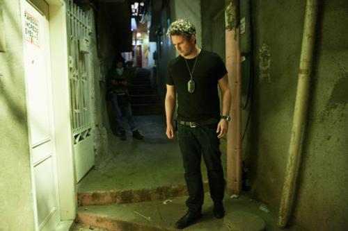 Auf der Suche nach der Brieftasche gerät der korrupte Ermittler Frederico (Selton Mello) oft genug in eine Sackgasse.