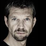 """Kai Wiesingers erste Regiearbeit hat es in sich: In der Web-Serie """"Das Lack ist ab"""" inszenierte er sich selbst schonungslos in der Midlife-Crisis."""